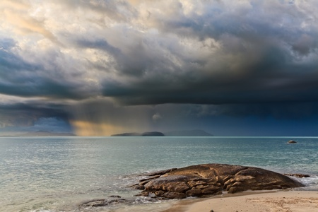 Thunder storm with roll cloud approaching the tropical beach Stock Photo - 8243805