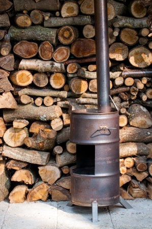 woodburning: Homemade wood burner made off an old barrel