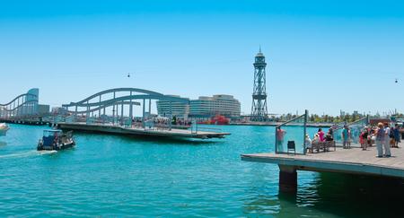rambla: Rambla de Mar - tourist attraction in Barcelona Editorial