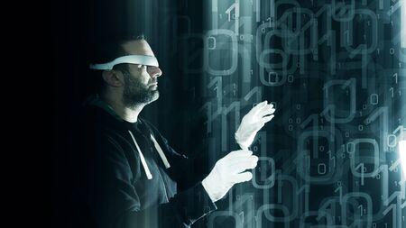 codigo binario: Gafas de realidad virtual idea de concepto, ataque de hackers futurista binario