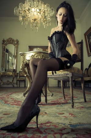 Façonnez la pousse d'une jeune femme sexy en lingerie Banque d'images