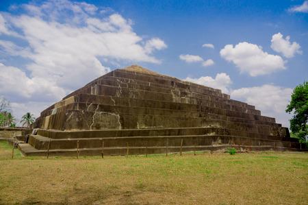 el: Tazumal mayan ruins in El Salvador Stock Photo