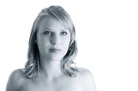 corps femme nue: Gros plan sur le visage beau mod�le jeune femme isol� sur blanc tonique