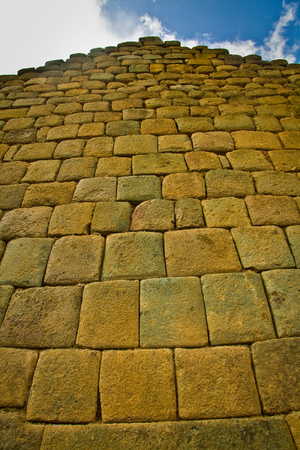 quechua indian: Inca wall construction at Ingapirca the most important inca archaelogical ruins in Ecuador