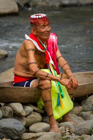 traditional healer: SANTO DOMINGO, ECUADOR - AUGUST 5, 2011: Unidentified indigenous shaman from the indigenous group of Santo Domingo de los Tsachilas Editorial