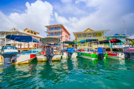 BOCAS, PANAMA - APRIL 15, 2015: Houses on the shore of the island of Colon in Bocas del Toro which is the capital of the province of the same name in the Caribbean West of Panama. Publikacyjne