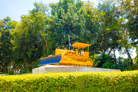 che guevara: SANTA CLARA, CUBA - SEPTEMBER 08, 2015: Memorial of train packed with government soldiers captured by Che Guevaras forces during the revolution. Editorial