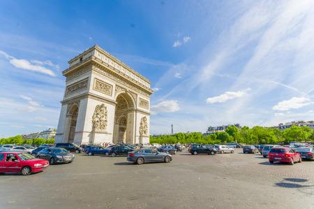 triumphe: PARIS, FRANCE- JUNE 1, 2015: Arc de Triomphe de lEtoile, Triumphal Arc of the Star