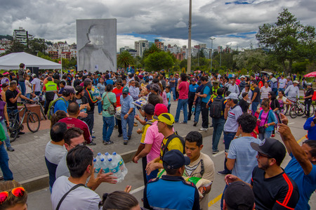 fema: Quito, Ecuador - April,17, 2016: Unidentified volunteers of Quito providing disaster relief food, clothes, medicine and water for earthquake survivors in the coast. Editorial