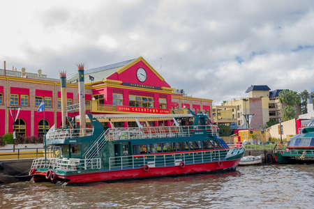 tigre: TIGRE, ARGENTINA - MAY 02, 2016: tourist colorfull boat parked in front of the main entrance to the chinatown.
