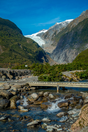 franz: Beautiful view of Franz Josef Glacier in Westland National Park on the West Coast of South Island in New Zealand