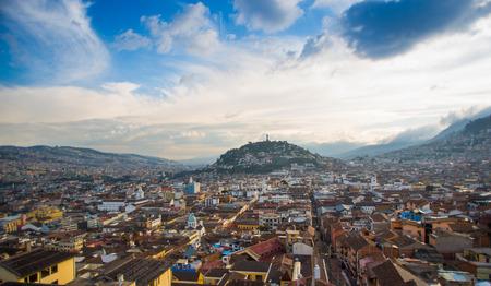 Uitzicht op het historische centrum van Quito, Ecuador