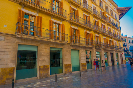 PALMA DE MALLORCA, SPAIN - AUGUST 18 2017: Unidentified people walking and the streets of Palma de Mallorca, Spain Editorial