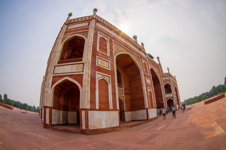 DELHI, INDIA - SEPTEMBER 19, 2017: Close up of Humayun s Tomb, Delhi, India, it is the tomb of the Mughal Emperor Humayun, eye fish effect Stock fotó - 88009471