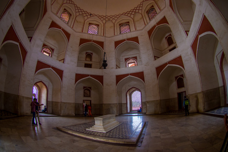 DELHI, INDIA - SEPTEMBER 19, 2017: Indoor view of the Humayun s Tomb, Delhi, India. Stock fotó - 88009564
