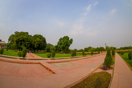 DELHI, INDIA - SEPTEMBER 25 2017: Outdoor view of the Sawan or Bhadon Pavilion in Hayat Baksh Bagh of Red Fort at Delhi, fish eye effect Stok Fotoğraf - 88011807