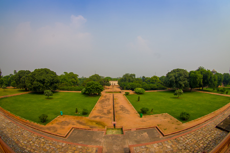 DELHI, INDIA - SEPTEMBER 19, 2017: Aerial view of stoned path in front of Humayun s Tomb, Delhi, India. UNESCO World Heritage Site, it is the tomb of the Mughal Emperor Humayun, fish eye effect Stock fotó - 90561394