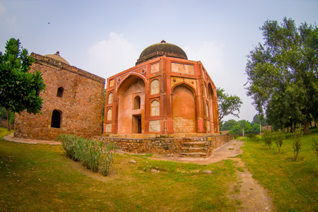 DELHI, INDIA - SEPTEMBER 19, 2017: Unidentified people walking in front of Humayun s Tomb, Delhi, India. UNESCO World Heritage Site, it is the tomb of the Mughal Emperor Humayun, fish eye effect Stock fotó - 90561444