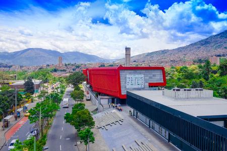 MEDELLIN, COLOMBIA - OKTOBER 19, 2017: Mooie luchtmening van het onderzoekspark in Medellin Redactioneel