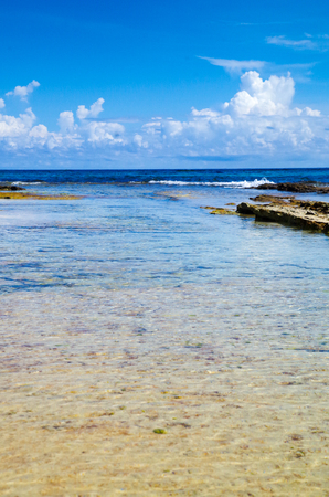 Amazing beautiful blue sky in San Andres Island from Johnny Cay in a gorgeous sunny day in San Andres, Colombia Imagens