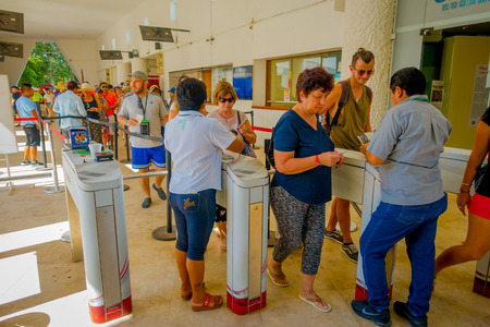 CHICHEN ITZA, MEXICO - NOVEMBER 12, 2017: Unidentified people wait in a queue for buy tickets to enter and visit at Chichen Itza ruins Editoriali