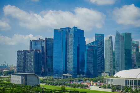 SINGAPORE, SINGAPORE - FEBRUARY 01, 2018: A view of the top of DBS Asia Central at Marina Bay Financial Centre in Singapore Редакционное