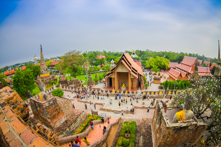 AYUTTHAYA, THAILAND, FEBRUARY, 08, 2018: Beautiful landscape with unidentified people walking at Wat Chaiwatthanaram, famous tourist attraction religious of Ayutthaya Historical Park in, Thailand 新聞圖片