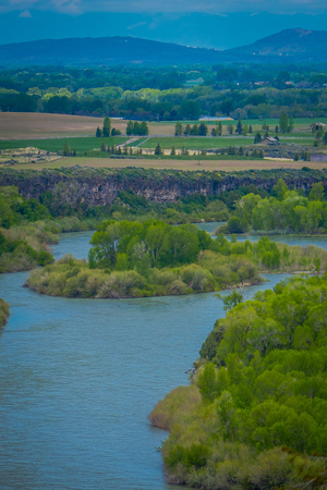 Beautiful landscape of the Snake River meandering through the desert of Idaho. The Snake River provides world class fishing, hunting, and recreation Stock fotó