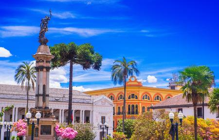 QUITO, ECUADOR SEPTEMBER, 28, 2018: Independence square, monument of heroes of 10 de agosto de 1809. Ecuador, Quito Editorial