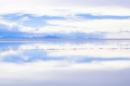 Salar de Uyuni, the worlds largest salt flat area, Altiplano, Bolivia, South America 스톡 콘텐츠