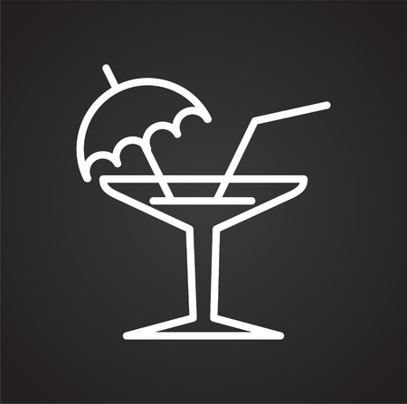 Cocktail line icon on black background for graphic and web design, Modern simple vector sign. Internet concept. Trendy symbol for website design web button or mobile app 向量圖像