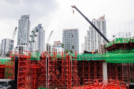 baustellen: Farbe der Geb�udestruktur im Bau