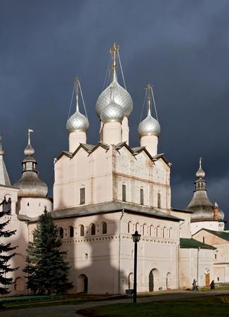 bilding: Church at Rostov Bishops Yard (Rostov Kremlin)