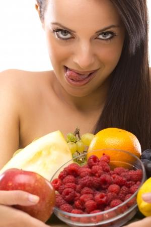 beautifu: Beautifu youngl woman with fresh fruit