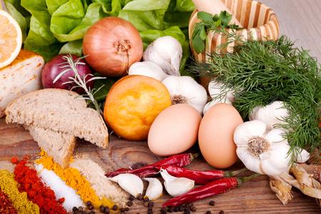 Légumes, herbes et épices pour la cuisine italienne