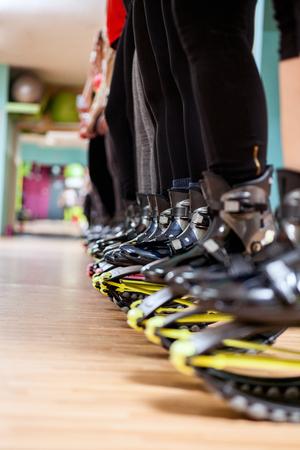 De Ejercicios Kangoo Los Fitness Mujer Haciendo Con Grupo Zapatos lJ3T5uK1cF