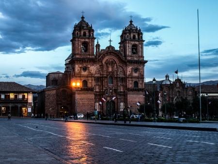 plaza de armas: Curch at the Main Square (Plaza de Armas, Cusco, Peru) Editorial