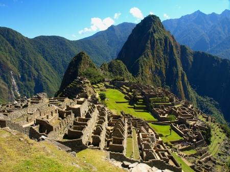 south america: Bien conocida antigua ciudad de los Incas - Machu Picchu (Per�) Foto de archivo