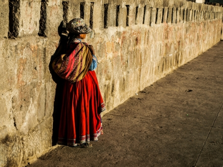 Peruan woman in Cabanaconde (Peru) Editorial