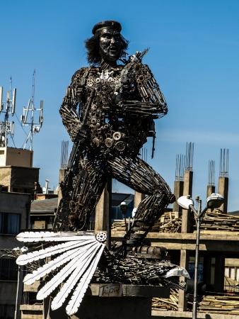 guerrilla: Che Guevara - metal statue in El Alto (La Paz, Bolivia) Editorial