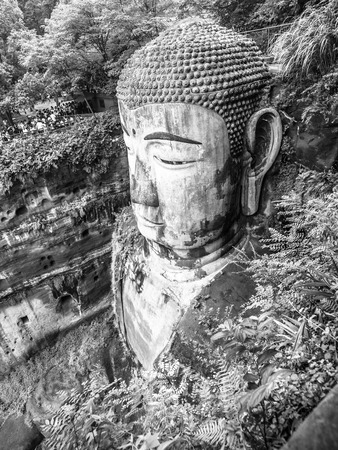 grey scale: Leshan Giant Buddha, Dafo, Le Shan City, Sichuan, China, in black and white Stock Photo