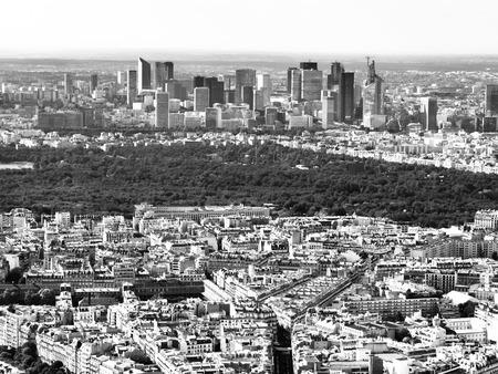 la defense: View of business district La Defense and Boulogne foreste in Paris, France