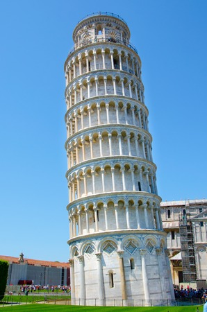 Leaning tower of Pisa, aka The Tower of Pisa, freestanding cathedral bell tower with unintended tilt, Tuscany rgiony, Italy