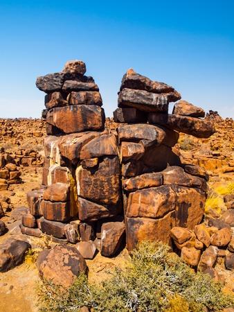 巨人の遊び場岩で晴れた日には澄んだ青空 Keetmanshoop、ナミビア、アフリカの近く