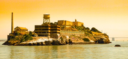 有名な刑務所を構築するアメリカ合衆国サンフランシスコのアルカトラズ島。