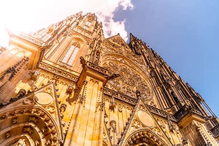 Front view of St. Vitus Cathedral in Prague Castle, Prague, Czech Republic. Standard-Bild