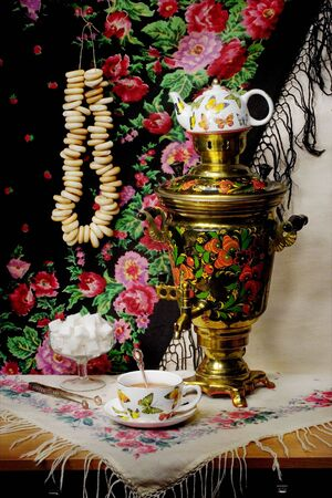 boublik: Still-life with a samovar and steering-wheels