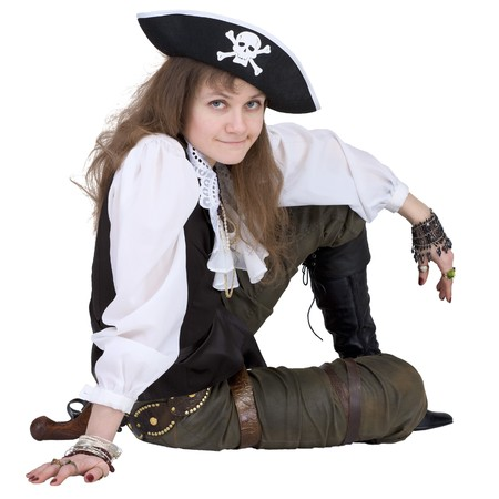 piratenhoed: De piraat - jonge vrouw met piraat hoed op wit