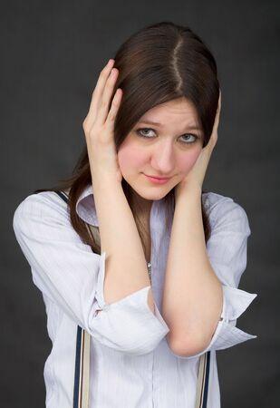 evil girl: Cfr. n. Maligno. Speak No Evil, Hear No Evil ragazza