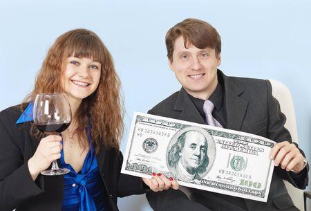 jonge ondernemers: Jonge ondernemers vieren een grote winst ontvangen